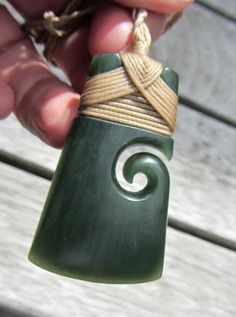FLAWLESS NZ POUNAMU GREENSTONE JADE MAORI BOUND KORU HEI TOKI BY NATHAN JERRY #WearableArt