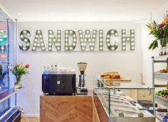 Opening van nieuwe hotspot Coffee Concepts Sandwich Bar in Amsterdam Sandwich Bar, Roast Beef Sandwich, Sandwiches, Coffee Shop Interior Design, Bar Interior, Creative Coffee, Best Coffee Shop, Shop Interiors, Easy Healthy Dinners