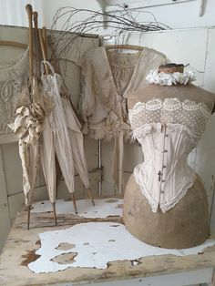 Shabby Chic Home Decor Dress Form Mannequin, Vintage Mannequin, Vintage Corset, Vintage Sewing, Vintage Dresses, Vintage Outfits, Love Vintage, Vintage Shabby Chic, Shabby Chic Style