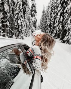 Windter Insta Mobile Presets Bright Holiday Presets XMAS presets Winter Presets Warm Presets New Year Presets Rich Vibrant Presets Snow Photography, Portrait Photography, Camping Photography, Mode Au Ski, Winter Drawings, Winter Instagram, Poses Photo, Winter Pictures, Weekend Fun