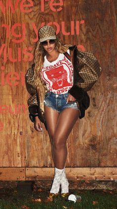 Beyonce Fans, Beyonce Style, Beyonce Pictures, Girls Stripping, Fierce Women, Beyonce Knowles, Queen B, Sexy Shorts, Celebs