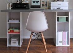 Utliser des étagères comme pieds de bureaux