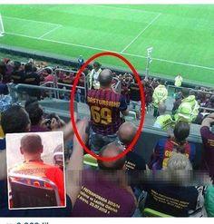Fan Masturbinho oklaskuje piłkarzy FC Barcelony • Nowy gracz w ekipie Luisa Enrique z numerem 69 • Wejdź i zobacz śmieszny obrazek >> #barca #fcbarcelona #barcelona #football #soccer #sports #pilkanozna #funny