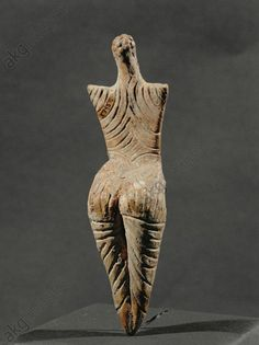 Eternal Little Goddess — Female Figure / Neolithic Age / 5000 BC Pre and. Modern Sculpture, Sculpture Art, Ancient Goddesses, Art Premier, Indigenous Art, Ancient Artifacts, Ancient Civilizations, Tribal Art, Figurative Art