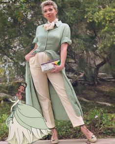 Princess Tiana Disneybound from the Princess and the Frog for the March Disneybound Challenge Princess Tiana Costume, Disney Princess Outfits, Disney Dress Up, Disney Bound Outfits, Disneyland Outfits, Disneyland Trip, Disney Clothes, Easy Costumes, Disney Costumes