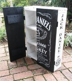 Other Bar - Jack Daniel's Cupboard with Shelves. for sale in Johannesburg Other Bar – Jack Daniel's Cupboard with Shelves. for sale in Johannesburg Jack Daniels Decor, Jack Daniels Bottle, Jack Daniels Whiskey, Diy Pallet Projects, Wood Projects, Woodworking Projects, Arte Bar, Jack O'connell, Whiskey Girl