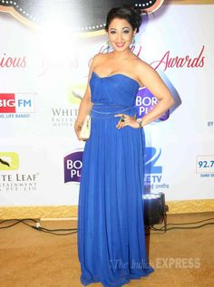 Shruti Ulfat at Gold Awards 2015 - Shweta Tiwari, Indian Photoshoot, Tv Awards, Strapless Dress Formal, Formal Dresses, Satin Gown, Curvy, Entertainment, Gowns