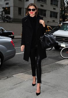 #mirandakerr #streetstyle | #Winter #Outfits at #NewYork #Celebrity #Style #Laughspark #Beautiful  http://www.laughspark.com/miranda-kerr-street-style-winter-outfits-at-new-york-12704