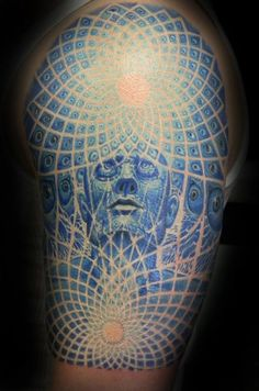 .......DETAIL.::: and now there's proof that one can tattoo a picture into lace <3 <3 <3 light man portrait