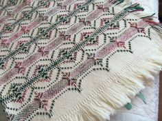 Pattern for Victorian ornament blanket Cross Stitch Bookmarks, Cross Stitch Charts, Cross Stitch Patterns, Weaving Designs, Weaving Projects, Craft Projects, Swedish Embroidery, Hand Embroidery, Free Swedish Weaving Patterns