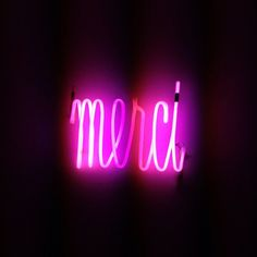 At merci shop Paris 111 bd beaumarchais 75011 Fun Clips, Neon Licht, Neon Quotes, Neon Words, Home Decoracion, All Of The Lights, Neon Glow, All Things Purple, Visual Statements