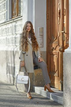 THE CHLOÉ C - A LOVE STORY - Theresa de Vienne Chloe, Outfit, Love Story, Beautiful, Coat, Jackets, Fashion, Vienna, Kleding
