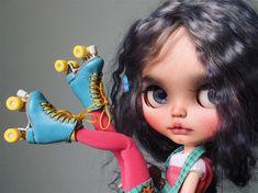 I love these rollerskates ☺️#tiinacustom #customblythe