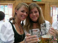 Oktoberfest Outfit, Oktoberfest Beer, Summer Outfit For Teen Girls, Outfits For Teens, Summer Outfits, Beer Girl, Gangsta Girl, German Women, Belle