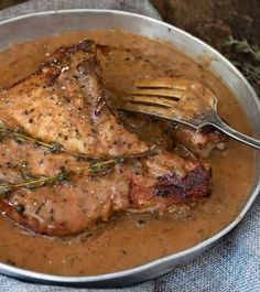 Pork Chops with Peppercorn Sauce - These delicious, thick Pork Chops with Peppercorn Sauce are one of my favourite ways to enjoy a pork chop dinner. Pork Chop Recipes, Meat Recipes, Cooking Recipes, Healthy Recipes, Savoury Recipes, Healthy Meals, Delicious Recipes, Butterflied Pork Chops, Cast Iron Skillet Cooking