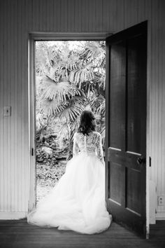 Kate McDonald Bridal Ellis Top & Tulle Skirt // Photography by Rustic White Photography // Styling by Abby Capalbo // #TecPetajaWorkshop