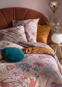 Une tête de lit en velours au style Art déco