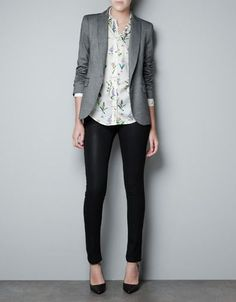 Grey blazer, floral button-up shirt, black trousers and black pumps. | Office Style