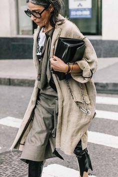 Best of New York Fashion Week: Street Style Fashion Week, New York Fashion, Fashion Outfits, Fashion Trends, Womens Fashion, Street Style Chic, Street Style Trends, Stylish Older Women, Style Photoshoot