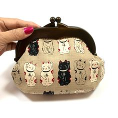 Manekineko purse made with Kisslock frame. Cosmetic pouch,Makeup bag, Gift for her, Gift under 20, Holiday gift, Neko, Gamaguchi bag