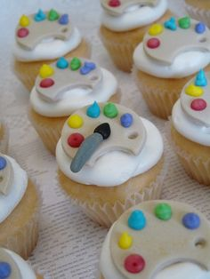 paint palette cupcakes by natashaogle, via Flickr- My dad loves to paint. This would be a great idea for birthday