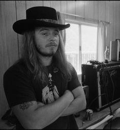 c40ff822 Ronnie Van Zant, Lynyrd Skynyrd, Rock Concert, Band, Twitter, Cowboy Hats