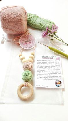 hilos de algodón y maderas naturales para los bonitos collares de lactancia trapillarte
