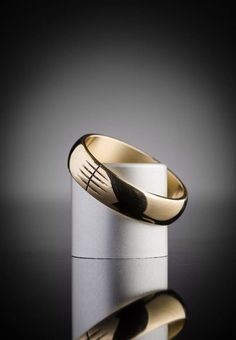 Men's Gold Ogham Ring Celtic Wedding Rings | Claddagh Design