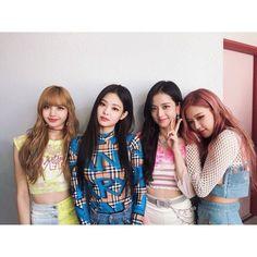 Kim Jennie, Running Man, Kpop Girl Groups, Kpop Girls, Korean Girl Groups, Yg Entertainment, Lisa Black Pink, Blackpink Funny, Blackpink Members