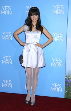 Zooey Deschanel legs Pantyhose Outfits, Pantyhose Legs, Tights Outfit, Nylons, White Tights, Colored Tights, Zooey Deschanel, Look Star, Great Legs