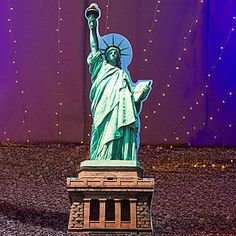 Possibility for the back wall (Grand Central) with NY skyline.  Our Statue of Liberty Standee shows the iconic American landmark in all her glory.