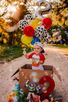 2nd Birthday Pictures, 2nd Birthday Party For Boys, Baby Boy 1st Birthday Party, Second Birthday Ideas, Toy Story Birthday, Fête Toy Story, Toy Story Party, Festa Toy Store, Foto Baby