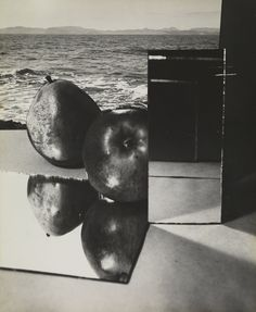 """Exhibition: 'Florence Henri. Compositions' at the Pinakothek der Moderne, Munich """"Henri's sophisticated, avante-garde, sculptural compositions have an almost 'being there' presence"""" Photo: Florence Henri. 'Composition' 1932"""