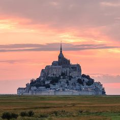 Mont Saint Michel, France | Photo by Olivier Wong