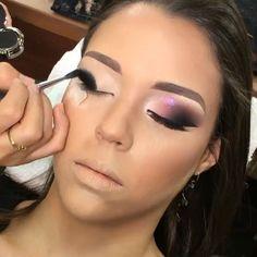 Lindíssima por @kennedyhoffemakeup @kennedyhoffemakeup    . . Marquem as amigas nos comentários que AMAM Maquiagem ✨✨Tag your Friends ✅FOLLOW @MaquiagemBrasill @MaquiagemBrasill #maquiagembrasil #maquiagembrasill  #motivescosmetics #vegas_nay  #mac #macpro  #motivescosmetics #maquiagem #brian_champagne  #selfie#model #top #topmodel #modelo #modeling  #make #makeup #maquiadora #maquillage #pausaparafeminice #maquiagem #maquiagemx #loucaspormaquiagem  #universomakeup #a...