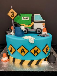 Boy Cakes, Cakes For Boys, Garbage Truck, Chicken Recipes, Desserts, Food, Tailgate Desserts, Deserts, Eten