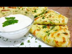 Clătite din dovlecei, o gustare perfectă pentru acest sezon | Danutax - YouTube Romanian Food, Sweet And Salty, Fresh Rolls, Vegetable Recipes, Food Videos, Food And Drink, Appetizers, Cooking Recipes, Vegan