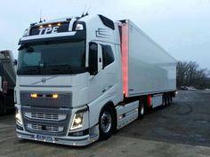VOLVO - TRUCK Train Truck, Road Train, Tow Truck, Cool Trucks, Big Trucks, Truck Paint, Swedish Brands, Volvo Trucks, Air France