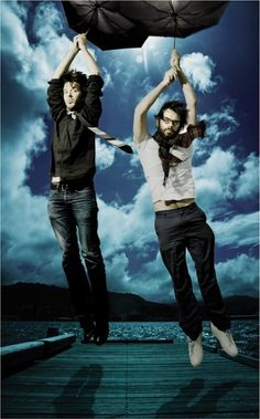 Bret McKenzie and Jemaine Clement - Flight of the Conchords Beautiful Boys, Pretty Boys, Beautiful People, Bret Mckenzie, Matt Berry, Jemaine Clement, Flight Of The Conchords, Funny Films, Comedy Duos