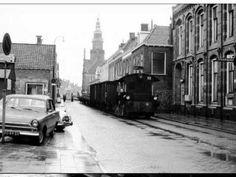 De laatste tram door Bolsward Ww2 History, Old Town, Doors, Street, Jun, Films, Travel, Historical Photos, Old City