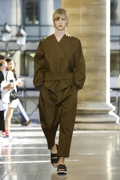 Hed Mayner Fashion Show Menswear Spring Summer 2018 Collection in Paris