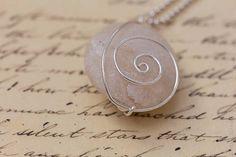 Beach stone wire pendant; http://de.dawanda.com/shop/Miaba