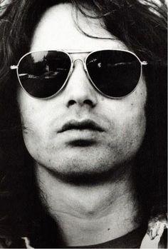 No one can rock Aviators like Morrison