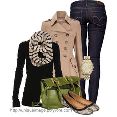 Fashionista Trends. Fall - Winter casual outfit. Green purse to die for.