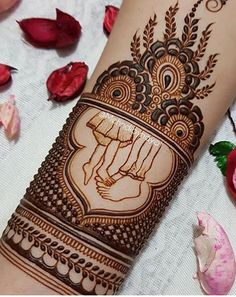 Unique Mehndi Designs, Bridal Mehndi Designs, Bridal Henna, Henna Designs, Blouse Designs, Mehendi, Eyeliner, Tattoo Ideas, Tattoos