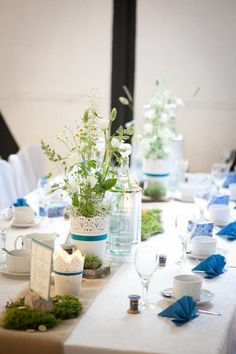DIY wedding dream in petrol colored - Hochzeitsinspirationen - Hochzeitsdeko Wedding News, Diy Wedding, Wedding Flowers, Dream Wedding, Table Wedding, Wedding Decorations, Table Decorations, Wedding Napkins, Wedding With Kids
