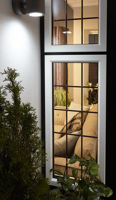 Adorable 39 Minimalist Window Design Ideas For Your House Home Window Grill Design, Window Grill Design Modern, House Window Design, Duplex House Design, Door Design, Wooden Window Design, Modern Windows, Contemporary Windows, Minimalist Window