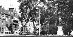Hoek naar Goirkestraat met beeld van Peerke Donders