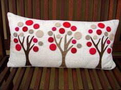 Almofada Felt Crafts, Fabric Crafts, Sewing Crafts, Diy And Crafts, Sewing Projects, Sewing Pillows, Diy Pillows, Decorative Pillows, Throw Pillows