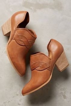 Lien. Do by Seychelles Ciudad Booties Camel Leather 6 Boots